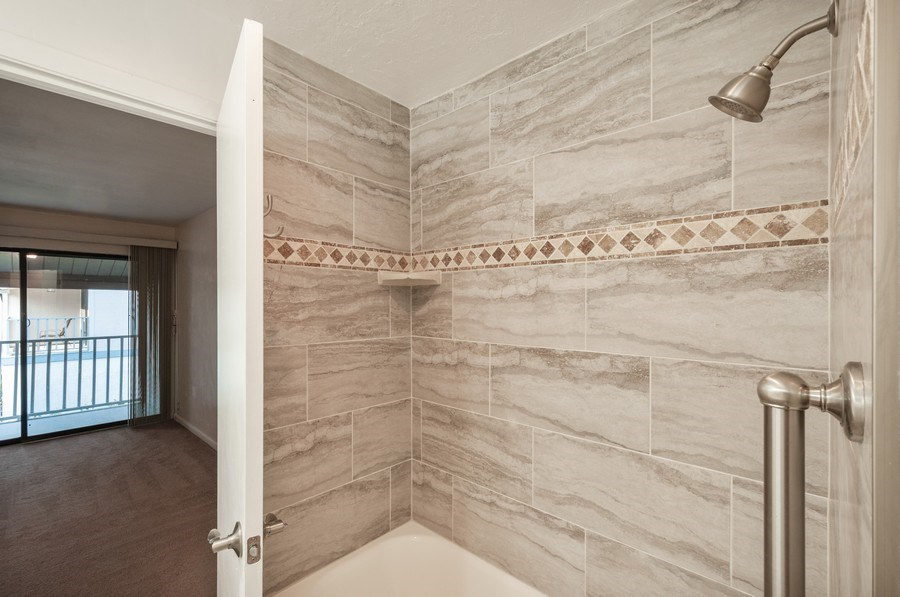 Real Estate Photography - 1420 SW 25th place, Gainesville, FL, 32608 - Bathroom
