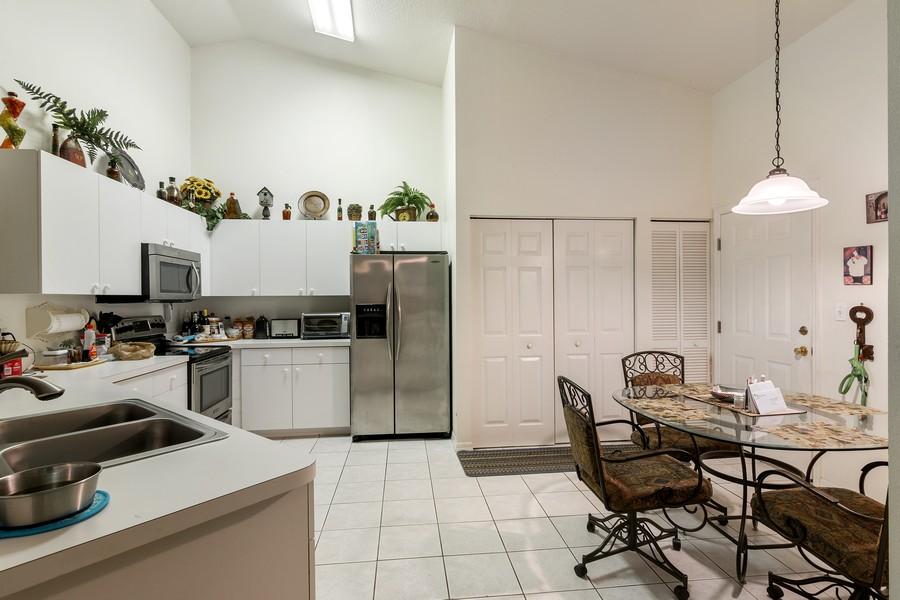 Real Estate Photography - 3011 Live Oak Ln, Palmetto, FL, 34221 - Kitchen/Dining