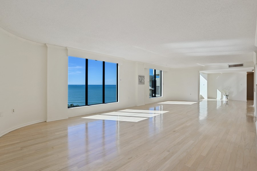 Real Estate Photography - 3115 Gulf Shore Blvd. N., Penthouse 2, Naples, FL, 34103 - Living Room