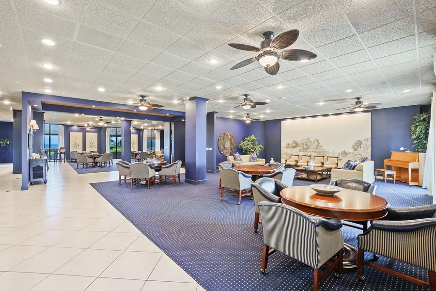 Real Estate Photography - 3115 Gulf Shore Blvd. N., Penthouse 2, Naples, FL, 34103 - Location 2