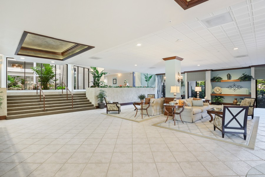 Real Estate Photography - 3115 Gulf Shore Blvd. N., Penthouse 2, Naples, FL, 34103 - Location 4