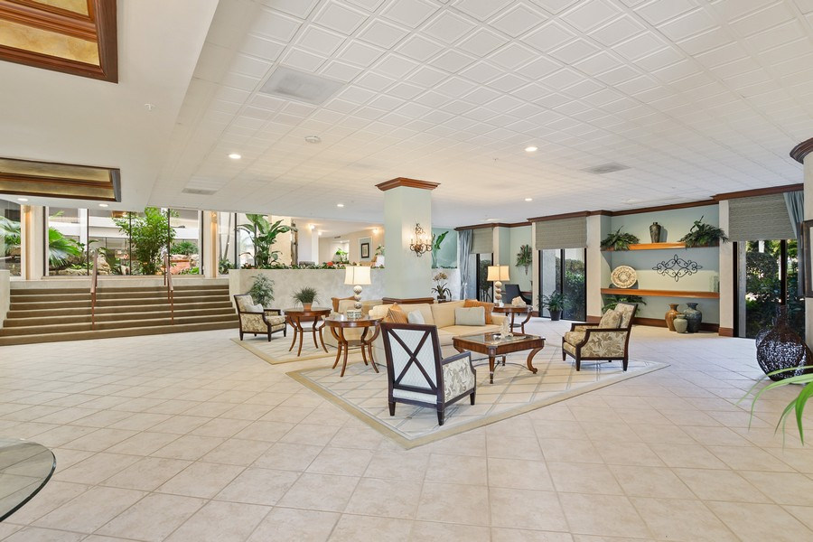 Real Estate Photography - 3115 Gulf Shore Blvd. N., Penthouse 2, Naples, FL, 34103 - Location 5