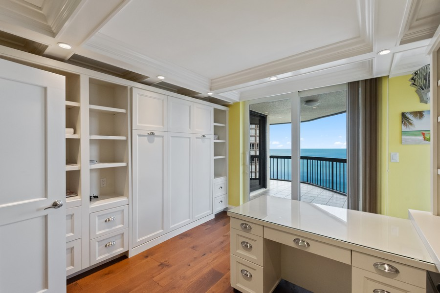 Real Estate Photography - 4551 Gulf Shore Blvd. N. #1702, Naples, FL, 34103 - Office