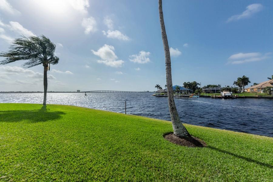 Real Estate Photography - 4280 SE 20th Pl, Unit 702, Cape Coral, FL, 33904 -