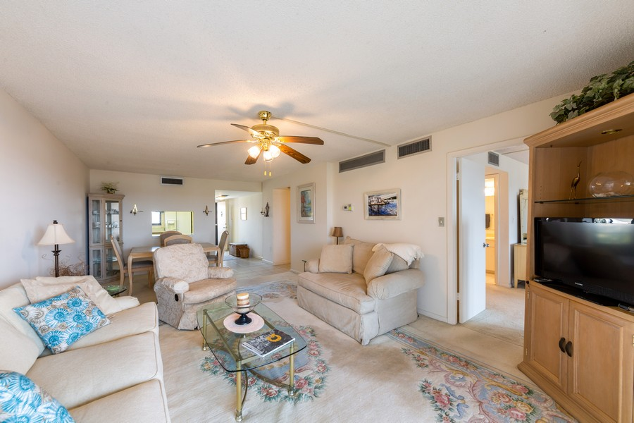 Real Estate Photography - 4280 SE 20th Pl, Unit 702, Cape Coral, FL, 33904 - Great Room