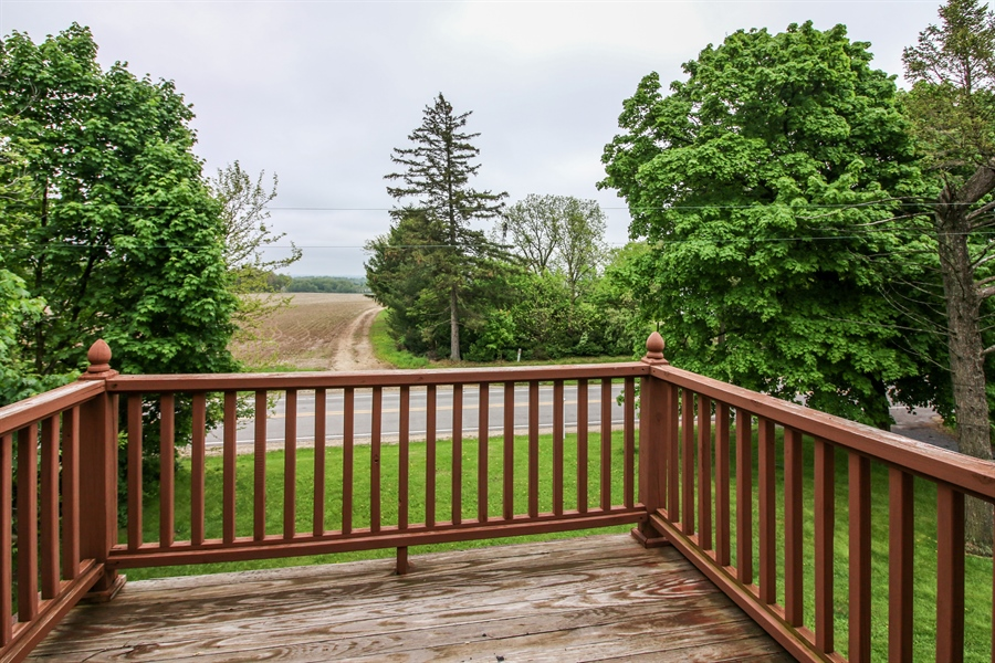Real Estate Photography - 10413 Lawrence Rd, Harvard, IL, 60033 - Deck
