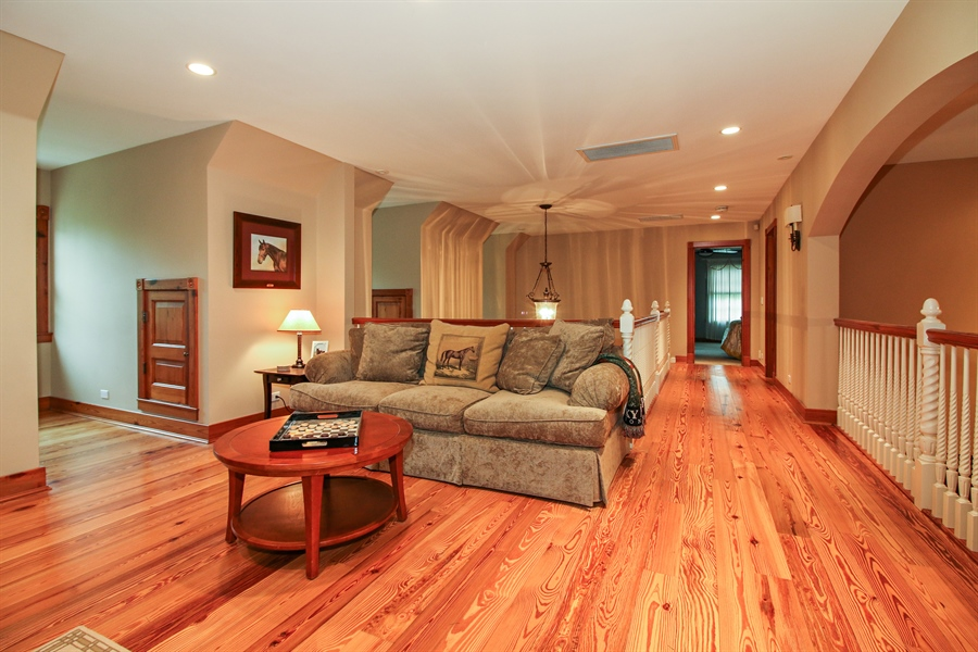 Real Estate Photography - 800 Valley Hill, Woodstock, IL, 60098 - Loft