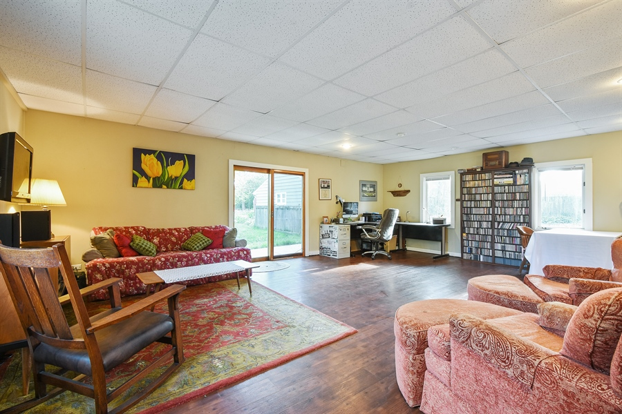Real Estate Photography - 449 W Grand Ave, Lake Zurich, IL, 60047 - Family Room