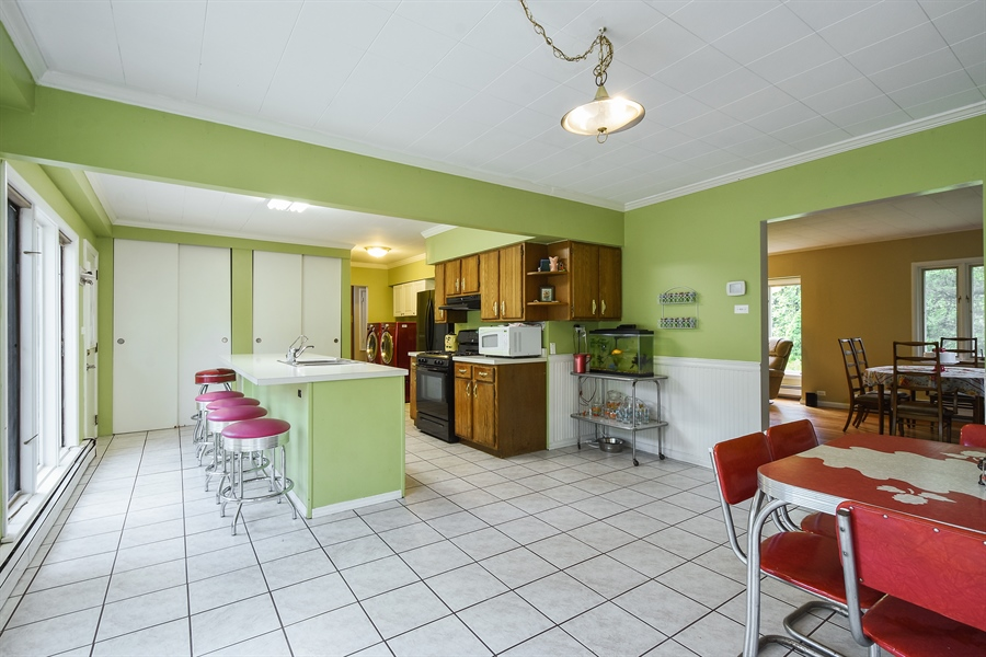 Real Estate Photography - 449 W Grand Ave, Lake Zurich, IL, 60047 - Kitchen
