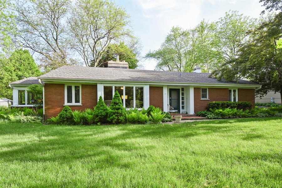 Real Estate Photography - 449 W Grand Ave, Lake Zurich, IL, 60047 - Front View