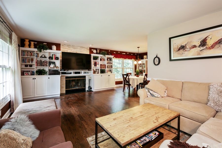 Real Estate Photography - 720 Mulberry, Algonquin, IL, 60102 - Living Room