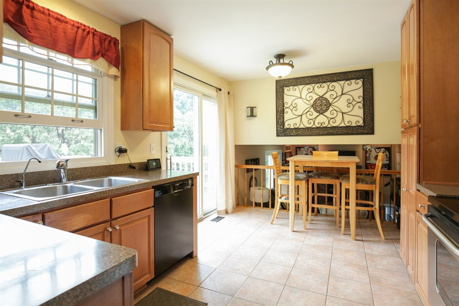Real Estate Photography - 720 Mulberry, Algonquin, IL, 60102 - Kitchen