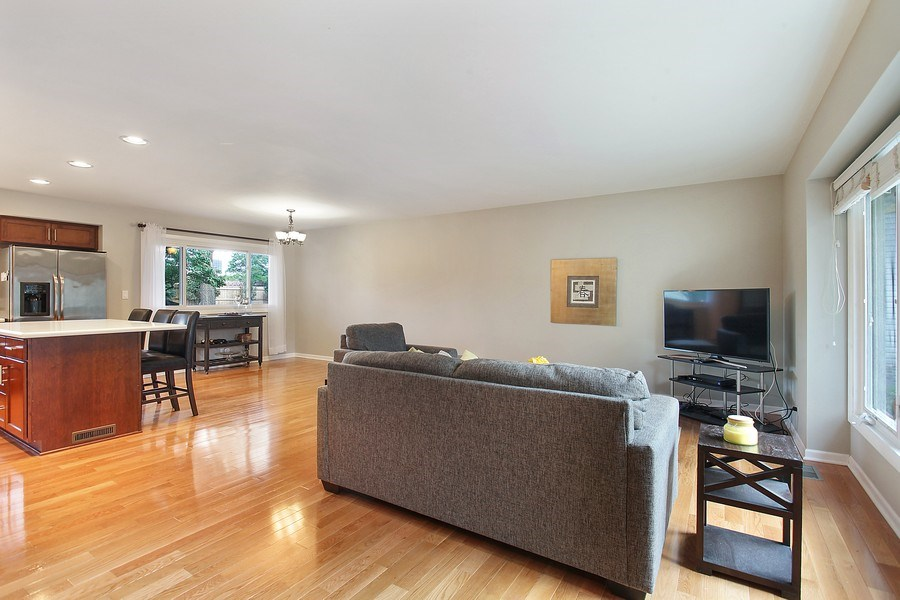 Real Estate Photography - 2132 Adams St, Rolling Meadows, IL, 60008 - Living Room