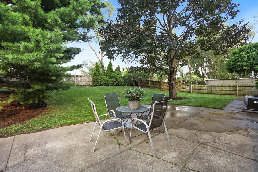 Real Estate Photography - 2132 Adams St, Rolling Meadows, IL, 60008 - Back Yard