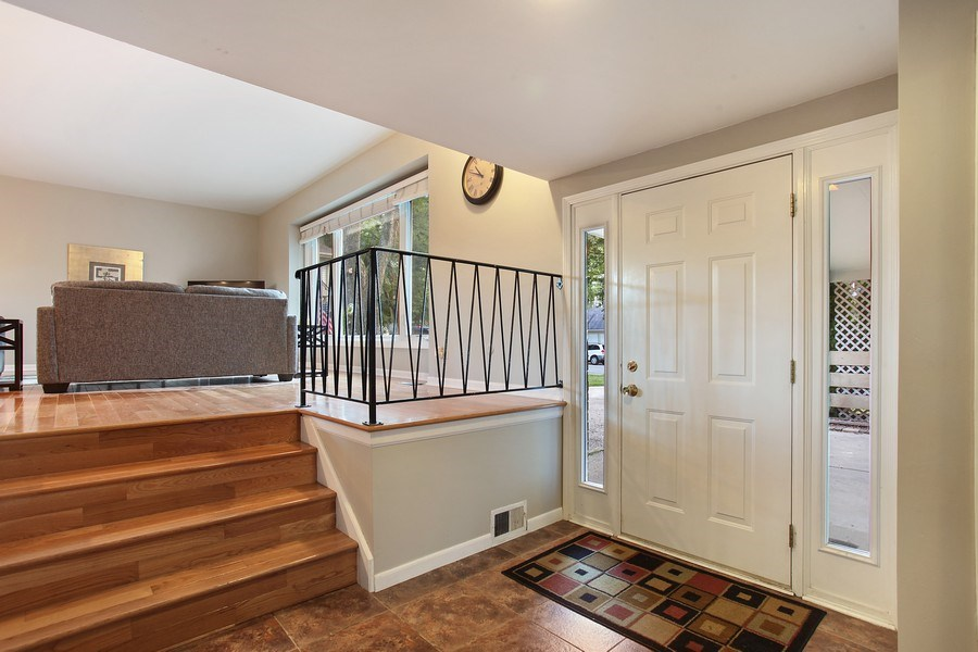 Real Estate Photography - 2132 Adams St, Rolling Meadows, IL, 60008 - Foyer