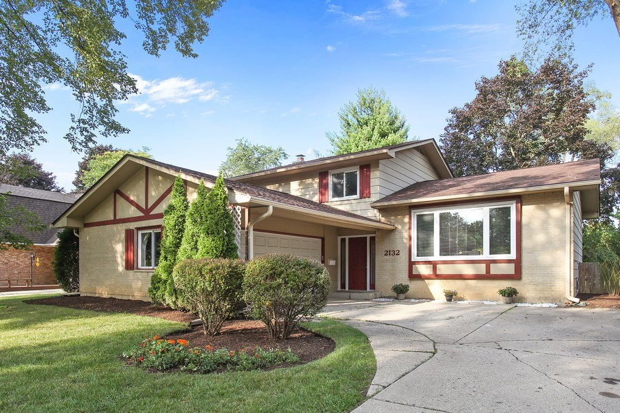 Real Estate Photography - 2132 Adams St, Rolling Meadows, IL, 60008 - Front View