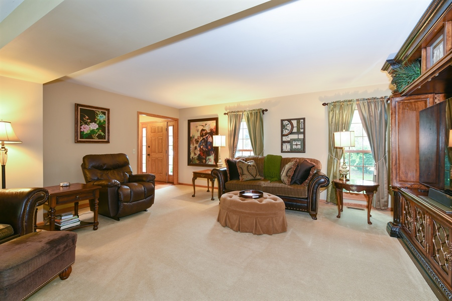 Real Estate Photography - 10N768 Williamsburg Dr, Elgin, IL, 60124 - Living Room