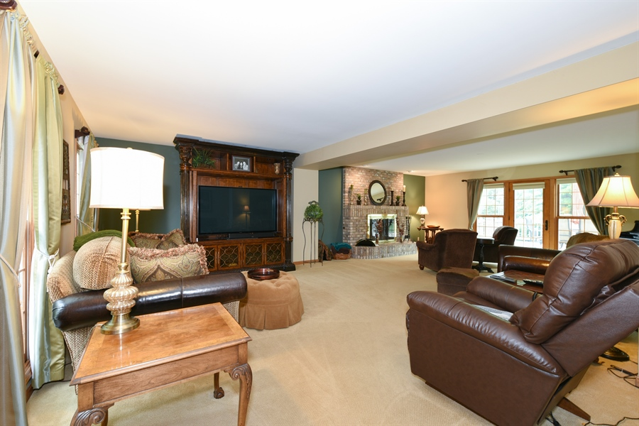 Real Estate Photography - 10N768 Williamsburg Dr, Elgin, IL, 60124 - Living Rm/Family Rm