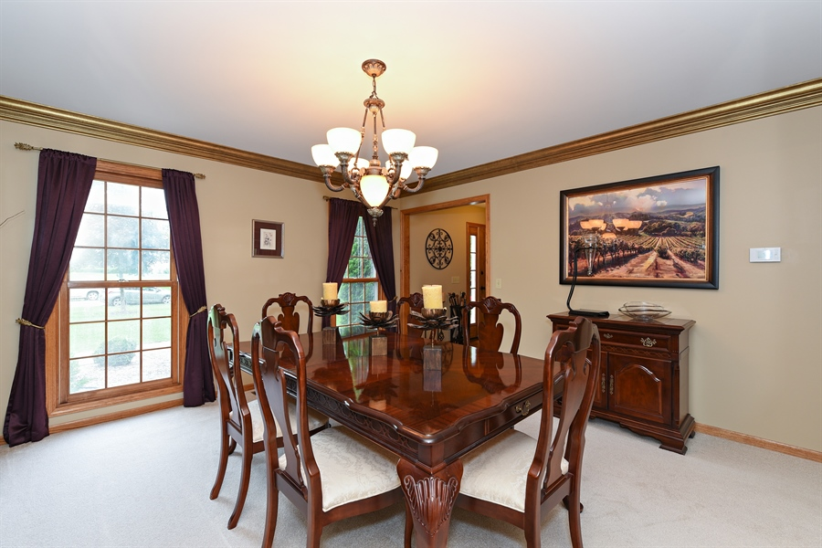 Real Estate Photography - 10N768 Williamsburg Dr, Elgin, IL, 60124 -