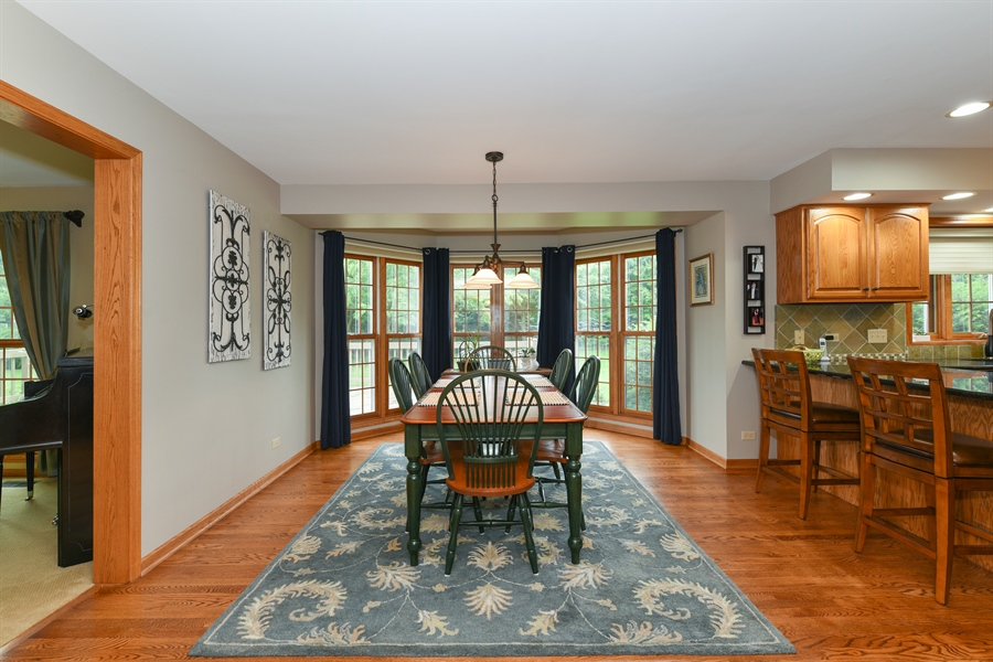 Real Estate Photography - 10N768 Williamsburg Dr, Elgin, IL, 60124 - Dining Area