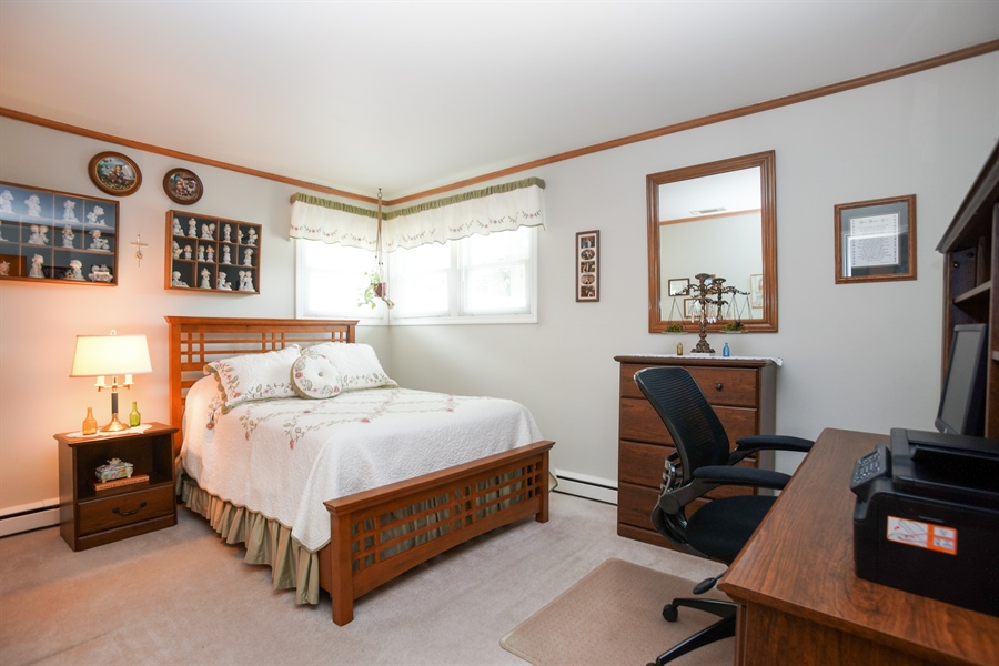 Real Estate Photography - 1064 W Villa Dr, Des Plaines, IL, 60016 - 3rd Bedroom