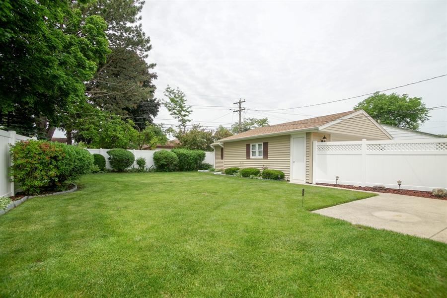 Real Estate Photography - 1064 W Villa Dr, Des Plaines, IL, 60016 - Back Yard