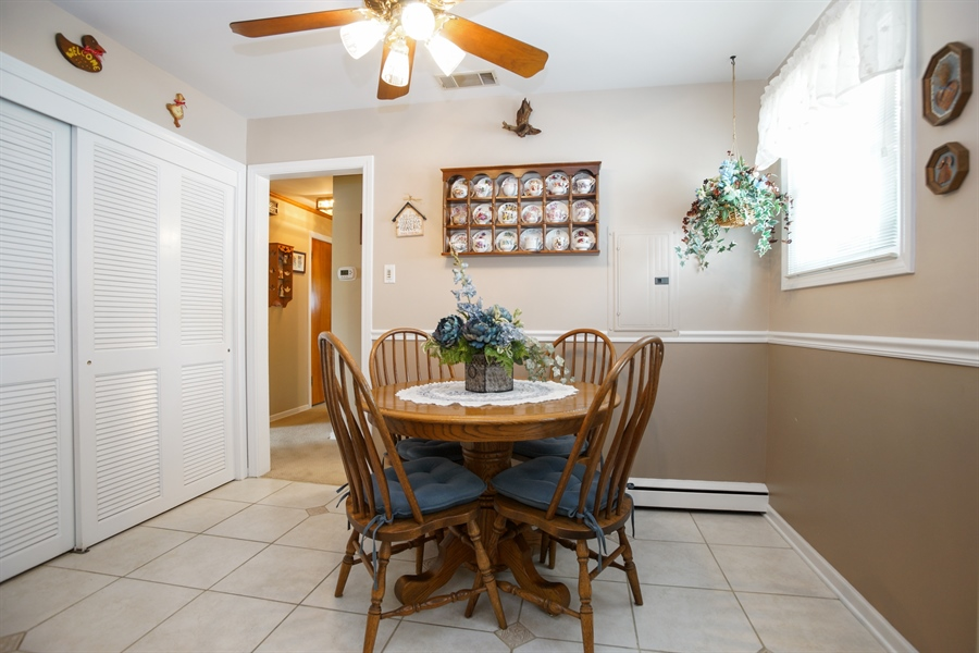 Real Estate Photography - 1064 W Villa Dr, Des Plaines, IL, 60016 - Dining Area