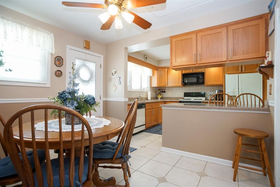 Real Estate Photography - 1064 W Villa Dr, Des Plaines, IL, 60016 - Kitchen