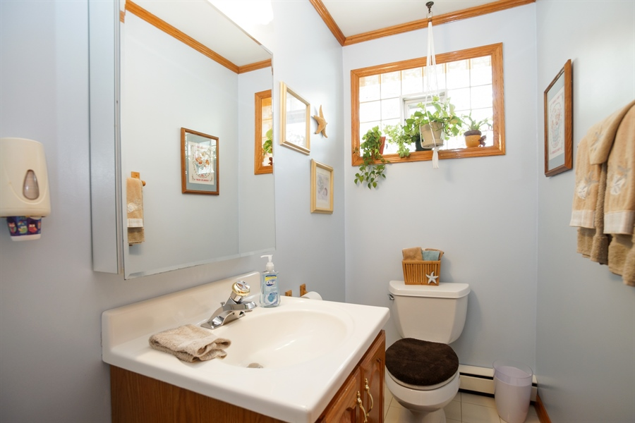 Real Estate Photography - 1064 W Villa Dr, Des Plaines, IL, 60016 - 2nd Bathroom