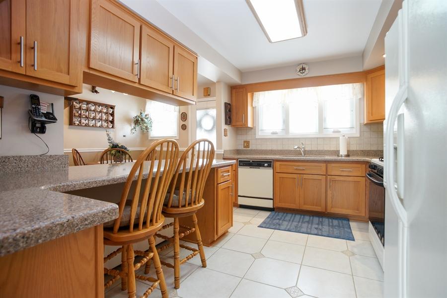 Real Estate Photography - 1064 W Villa Dr, Des Plaines, IL, 60016 - Kitchen / Living Room