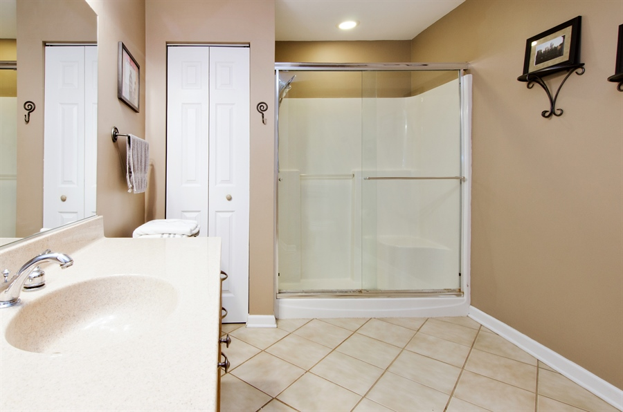 Real Estate Photography - 1545 N Harrison St, Algonquin, IL, 60102 - 3rd Bathroom