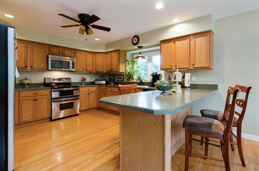 Real Estate Photography - 1545 N Harrison St, Algonquin, IL, 60102 - Kitchen