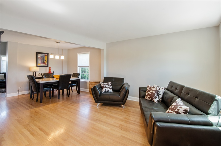Real Estate Photography - 3 Banbury Court, Lake In The Hills, IL, 60156 - Living Room / Dining Room