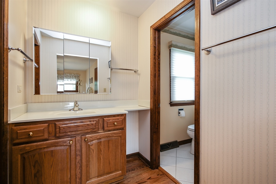 Real Estate Photography - 1015 Lancaster, Mount Prospect, IL, 60056 - Master Bathroom