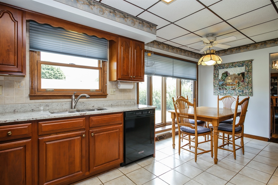 Real Estate Photography - 1015 Lancaster, Mount Prospect, IL, 60056 - Kitchen