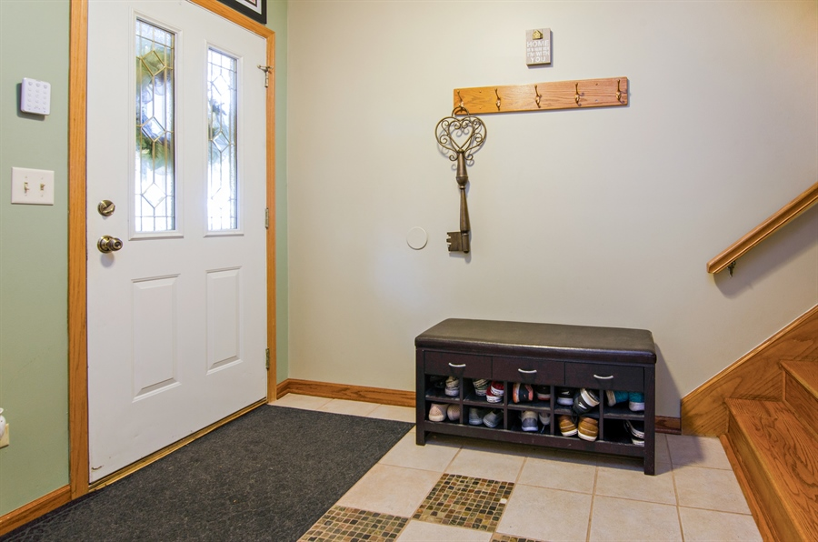 Real Estate Photography - 27 Bryant Ct, Crystal Lake, IL, 60014 - Foyer