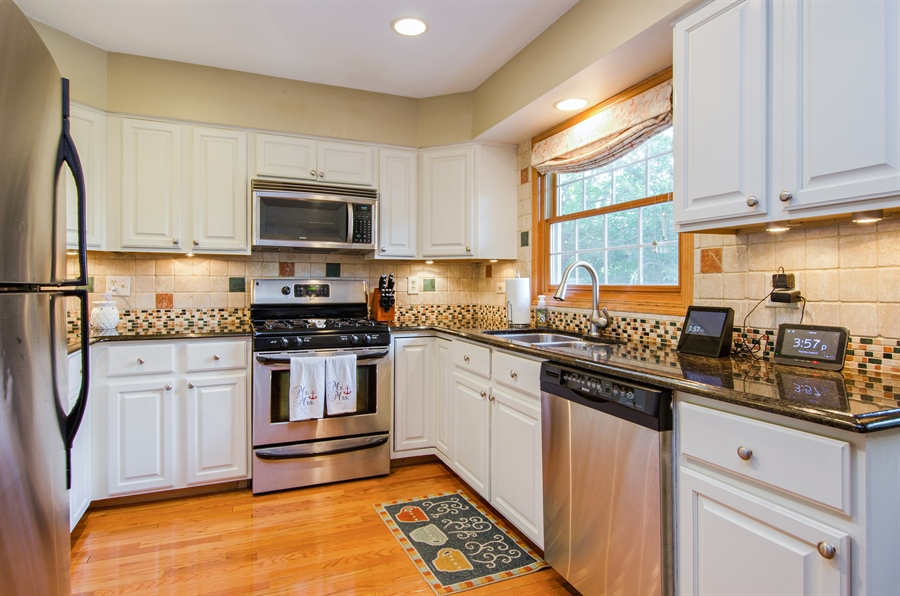 Real Estate Photography - 27 Bryant Ct, Crystal Lake, IL, 60014 - Kitchen
