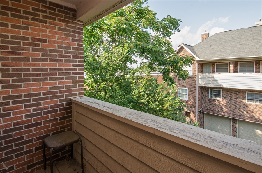 Real Estate Photography - 27 Bryant Ct, Crystal Lake, IL, 60014 - Deck