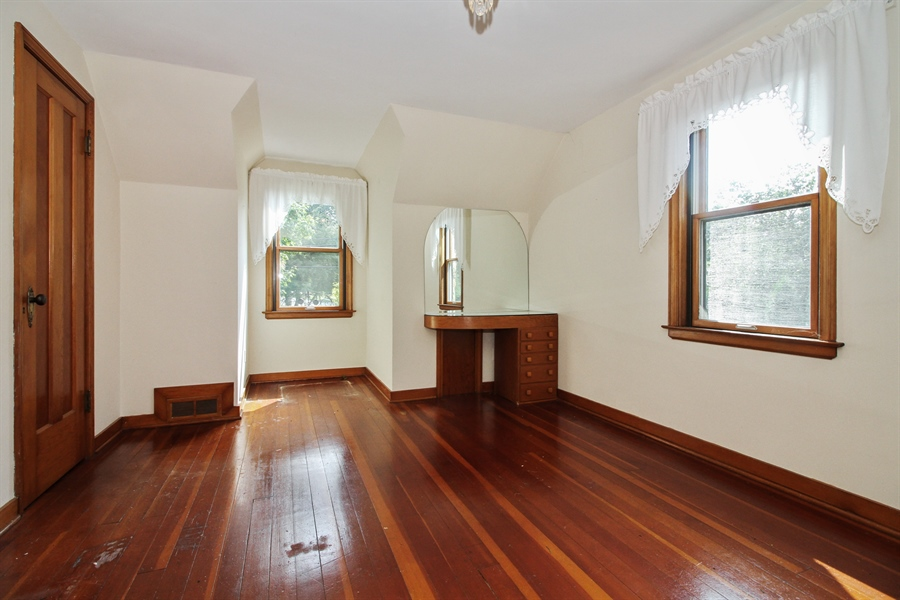 Real Estate Photography - 170 SOUTH HILL STREET, WOODSTOCK, IL, 60098 - 2nd Bedroom