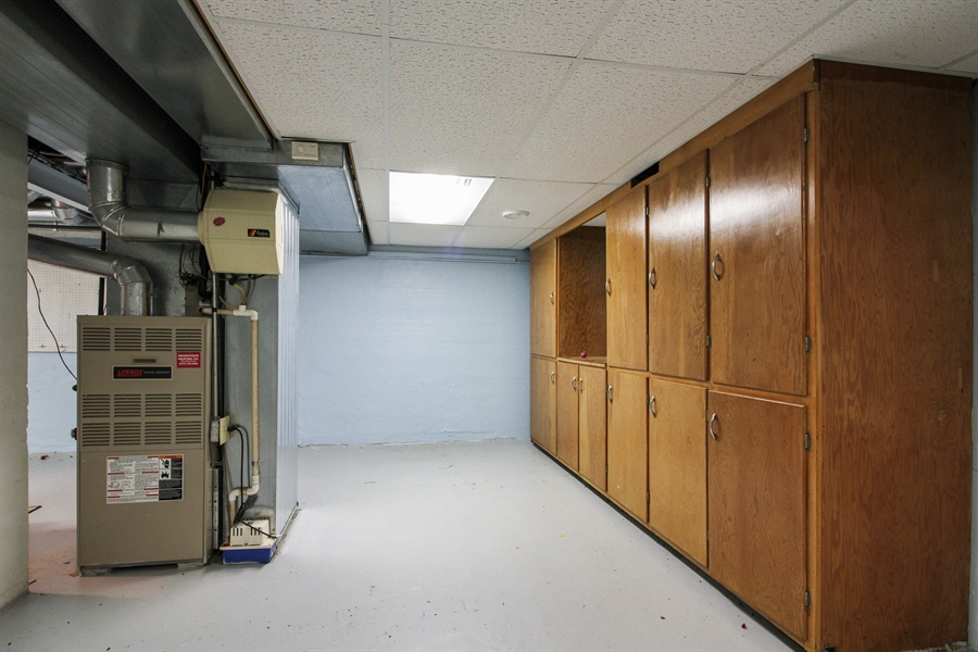 Real Estate Photography - 170 SOUTH HILL STREET, WOODSTOCK, IL, 60098 - Basement