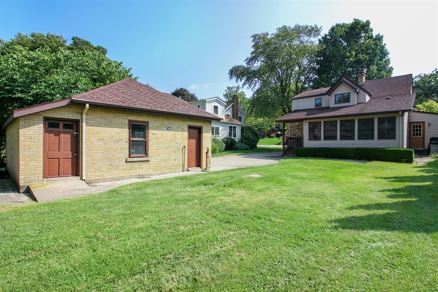 Real Estate Photography - 170 SOUTH HILL STREET, WOODSTOCK, IL, 60098 - Rear View