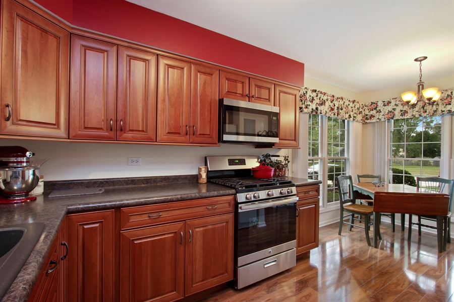 Real Estate Photography - 991 Sutherland Drive, Crystal Lake, IL, 60014 - Kitchen