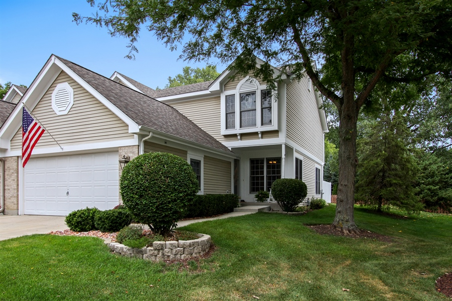 Real Estate Photography - 991 Sutherland Drive, Crystal Lake, IL, 60014 - Front View