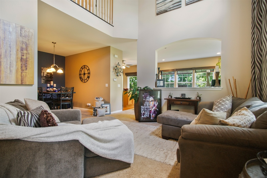 Real Estate Photography - 6100 Canterbury Ln., Hoffman Estates, IL, 60192 - Family Room