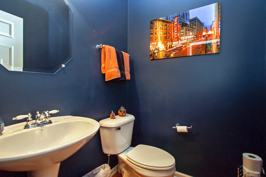 Real Estate Photography - 6100 Canterbury Ln., Hoffman Estates, IL, 60192 - Half Bath