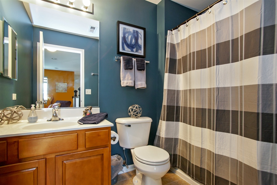 Real Estate Photography - 6100 Canterbury Ln., Hoffman Estates, IL, 60192 - Bathroom