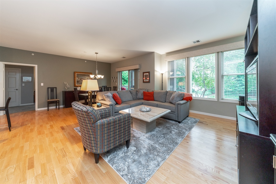 Real Estate Photography - 271 E Railroad Ave, 105, Bartlett, IL, 60103 - Living Room