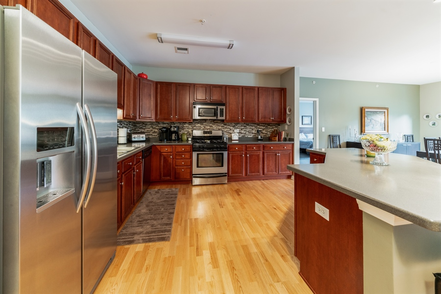 Real Estate Photography - 271 E Railroad Ave, 105, Bartlett, IL, 60103 - Kitchen