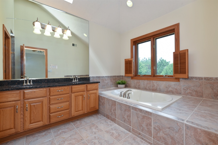 Real Estate Photography - 421 Lewis, Geneva, IL, 60134 - Master Bathroom
