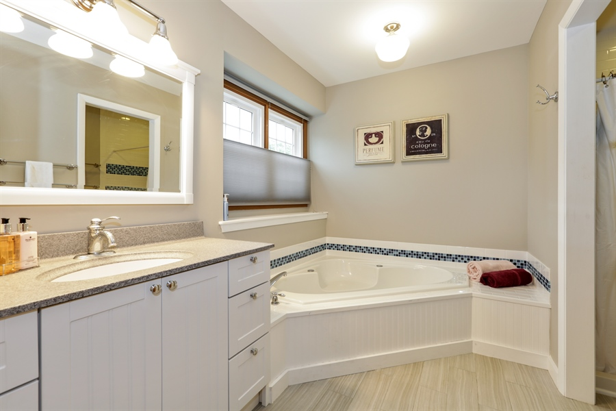 Real Estate Photography - 763 Regency, Crystal Lake, IL, 60014 - Master Bathroom